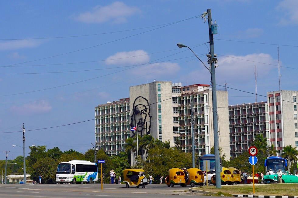 Vedado: Innenministerium mit Che Wandbild - Havanna - Kuba