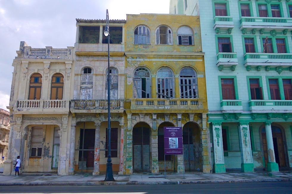Restauriert und Baufällig so stehen sie nebeneinander - Habana Malecon - Kuba