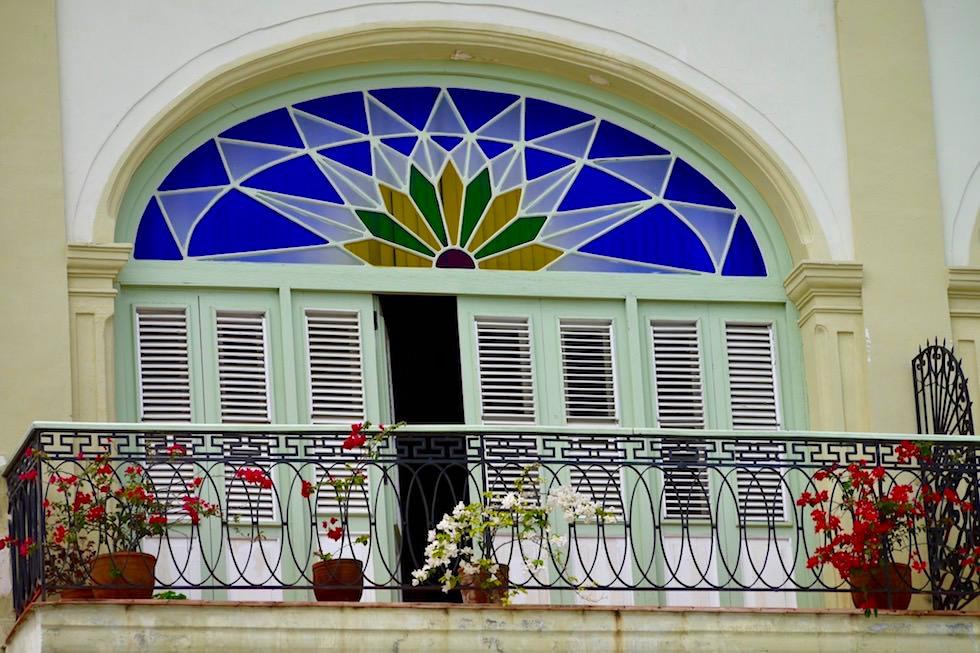 Das schöne, schicke Havanna: Restaurierter Balkon & schmucke Glasfenster - Havanna - Kuba