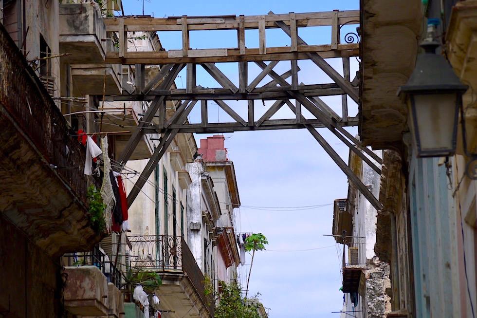 Rost & Abbröckelnde Fassade - Habana - Kuba