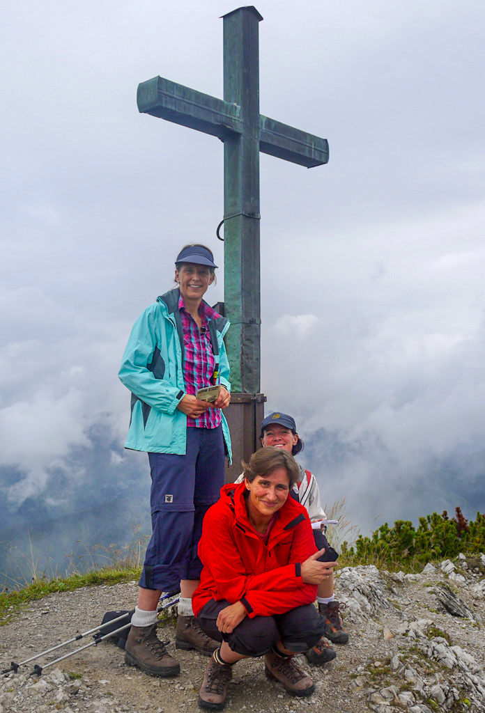 Schildenstein Gipfelkreuz - Faszinierende Weitblicke oder heute nur Wolken - Blauberge-Wanderung - Bayern