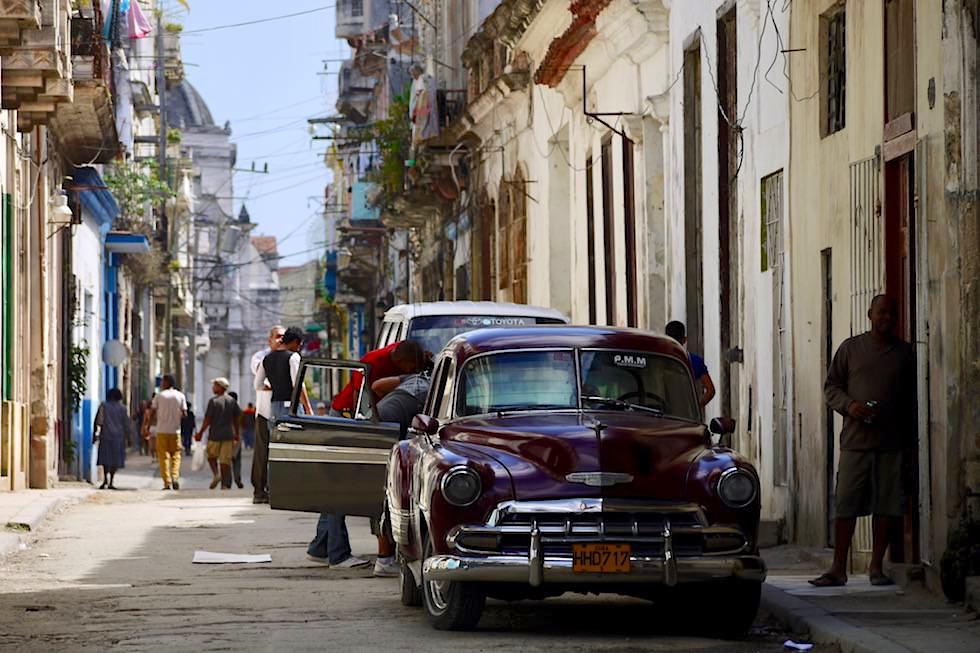 Blick in eine Seitengasse - Havanna - Kuba