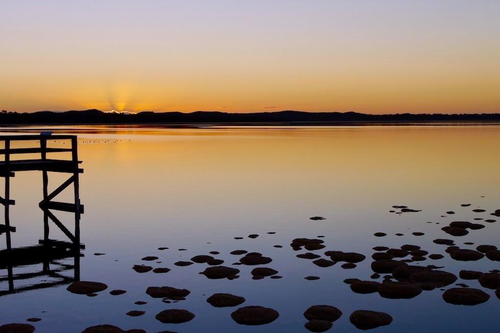 Atemberaubender Sonnenuntergang auf Lake Clifton & seine Thrombolithen - Western Australia