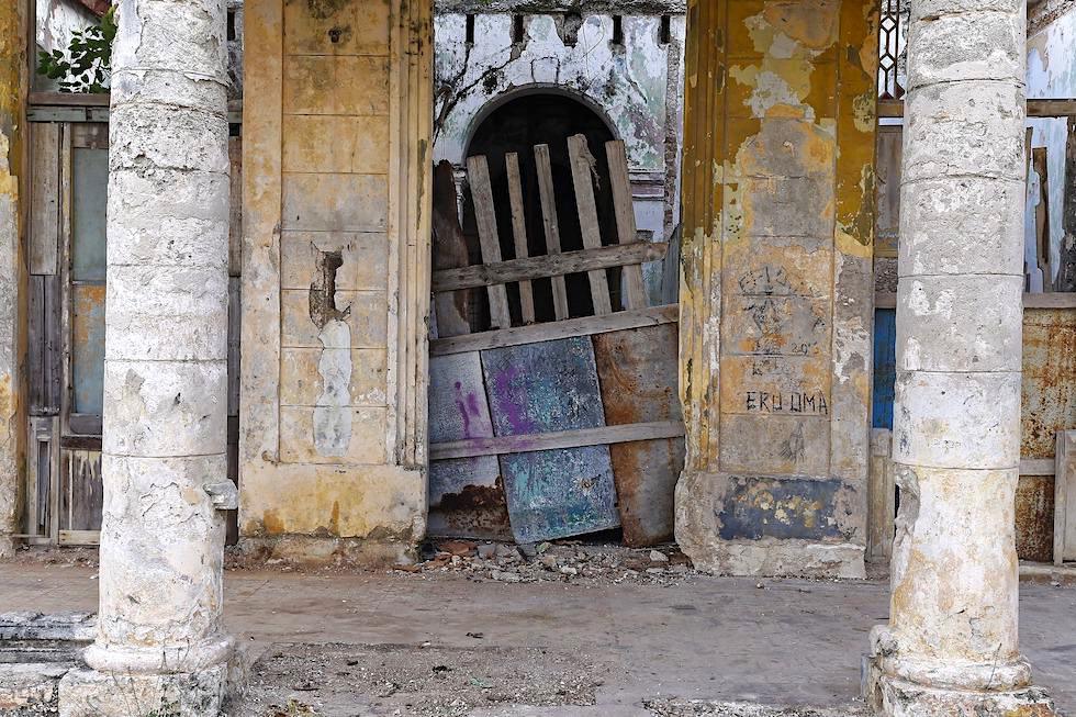 Abbruchreifes Haus & Schönheit des Verfalls - Havanna - Kuba