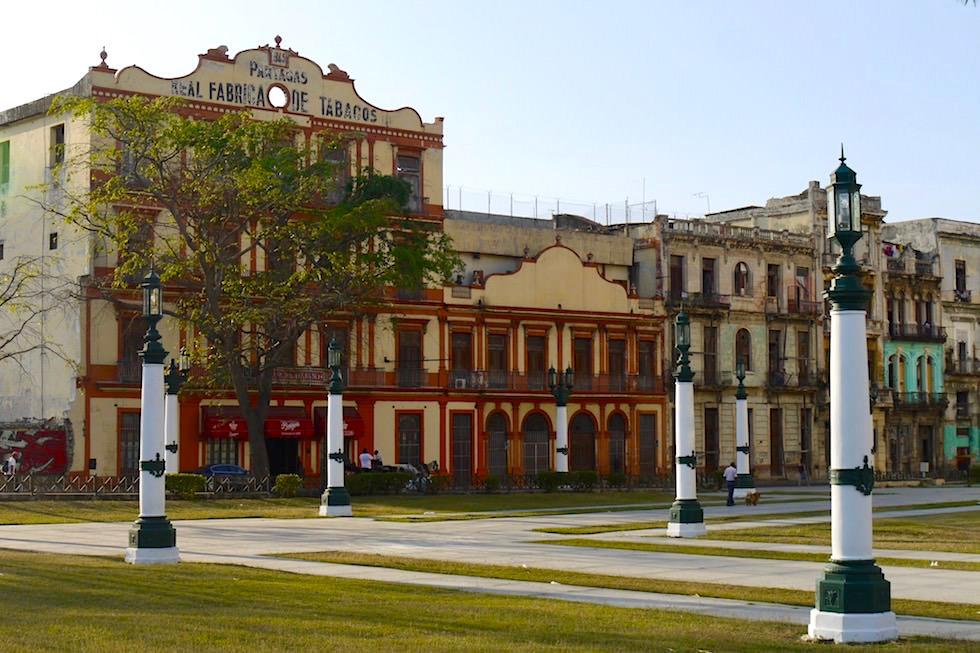Ruinen der weltbekannten Zigarrenmanufaktur Partagás - Havanna - Kuba