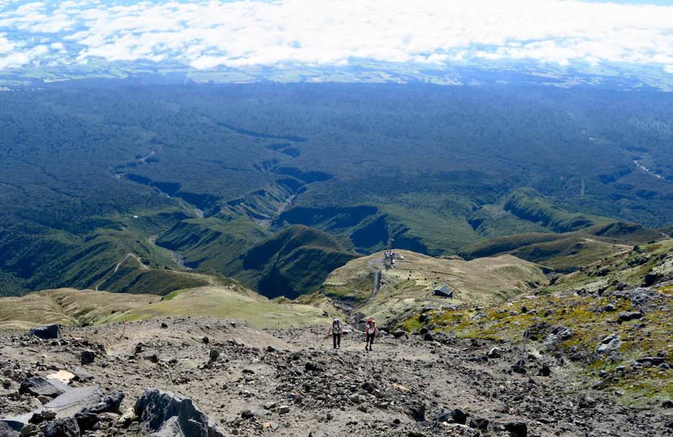Mt Taranaki Wanderung - Blick ins Tal & in den Egmont National Park - Nordinsel Neuseeland