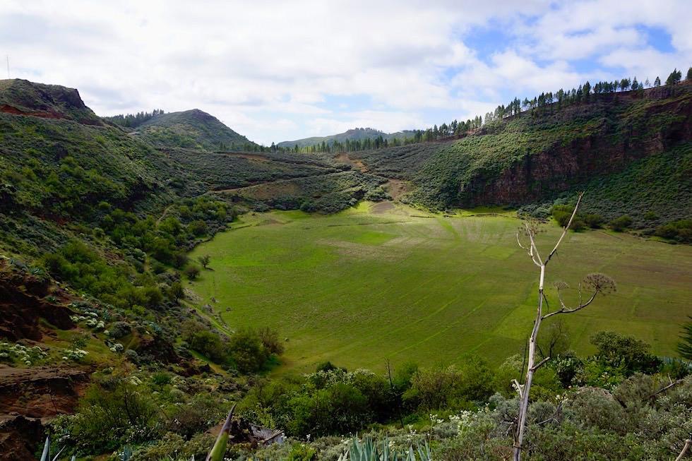 Blick auf Caldera de los Morteles - Roque Grande Wanderung Route 10 - Valsequillo - Gran Canaria