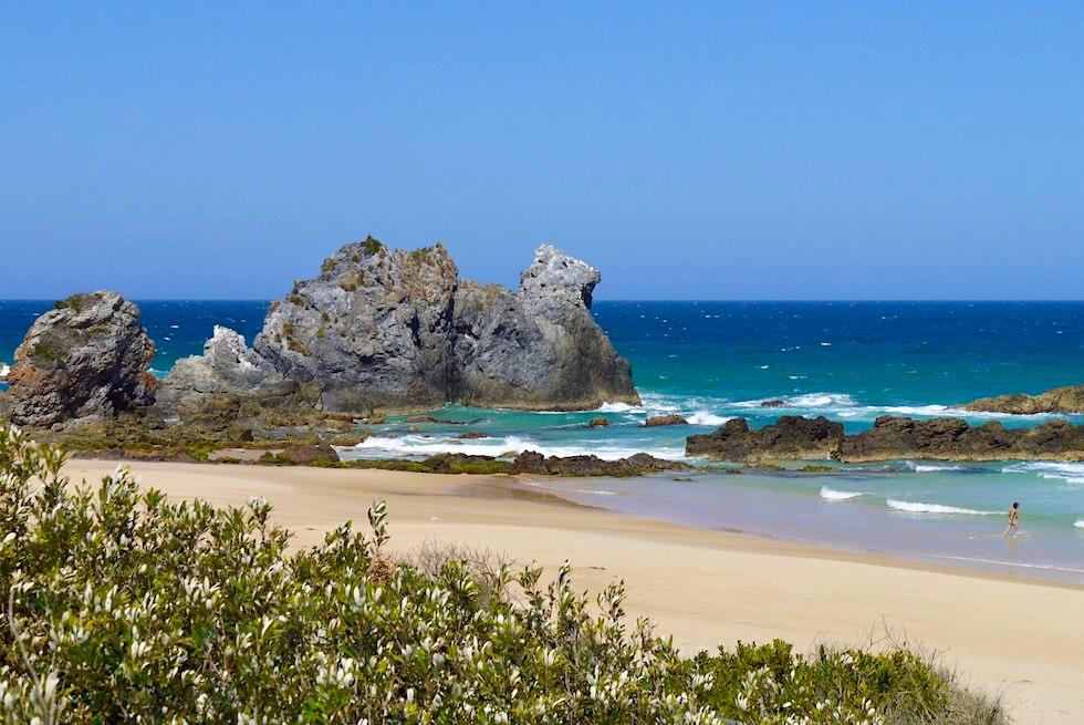 Sapphire Coast bei Bermagui - Faszinierender Camel Rock & wunderschöner Strand an der Horseshoe Bay - New South Wales
