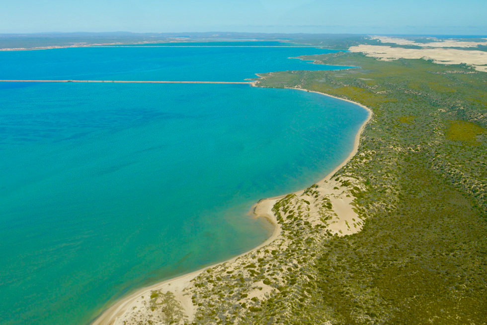 Shark Bay Scenic Flight - Sandbank: Cloughs Bar - Useless Loop - Western Australia