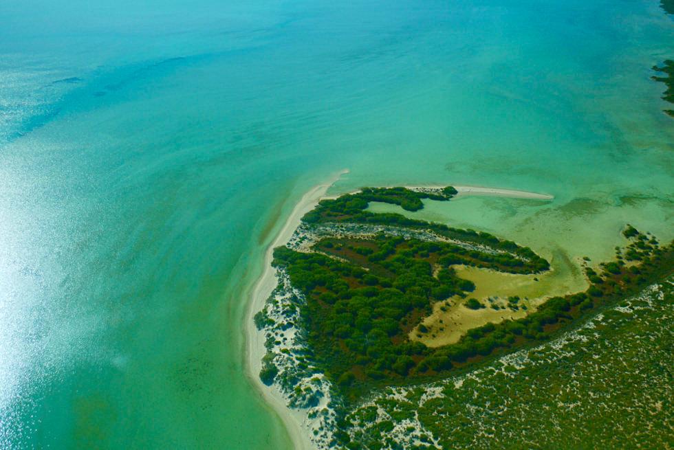 Shark Bay Scenic Flight - Dirk Hartog Island aus der Vogelperspektive - Blick auf Surf Point - Western Australia
