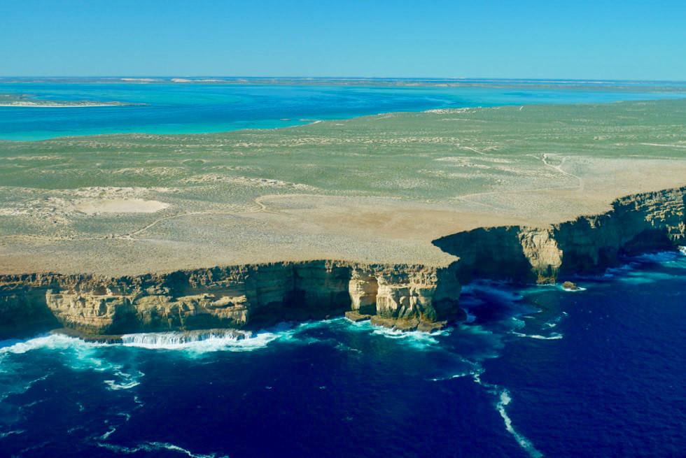 Atemberaubend schön: Zuytdrop Cliffs gesehen aus der Vogelperspektive - Shark Bay Scenic Flight - Western Australia
