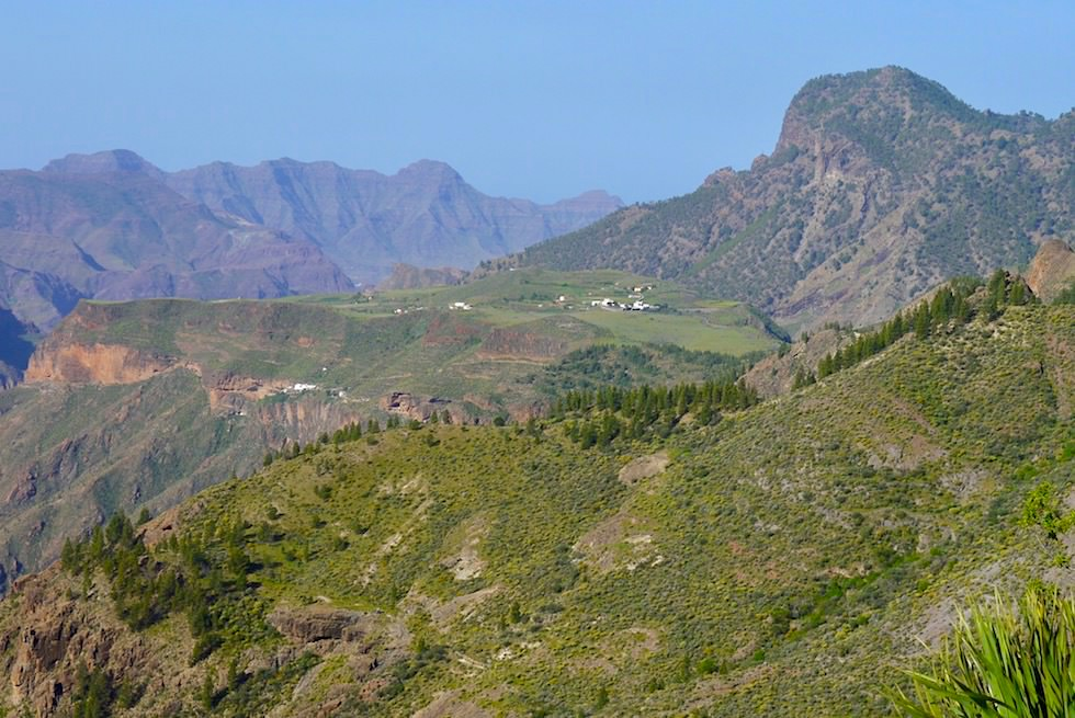 Artenara - Ausblick nach Acusa vom Mirador Corazon Jesus - Gran Canaria