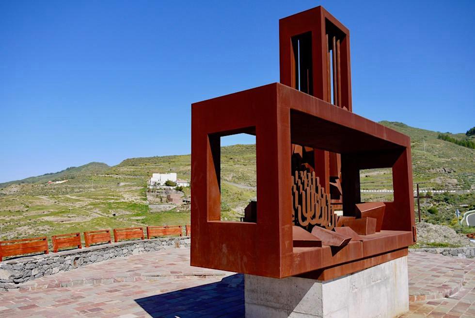 """Artenara - Mirador de la Atalaya mit Statue """"Foresta y Pròtego"""" - Gran Canaria"""