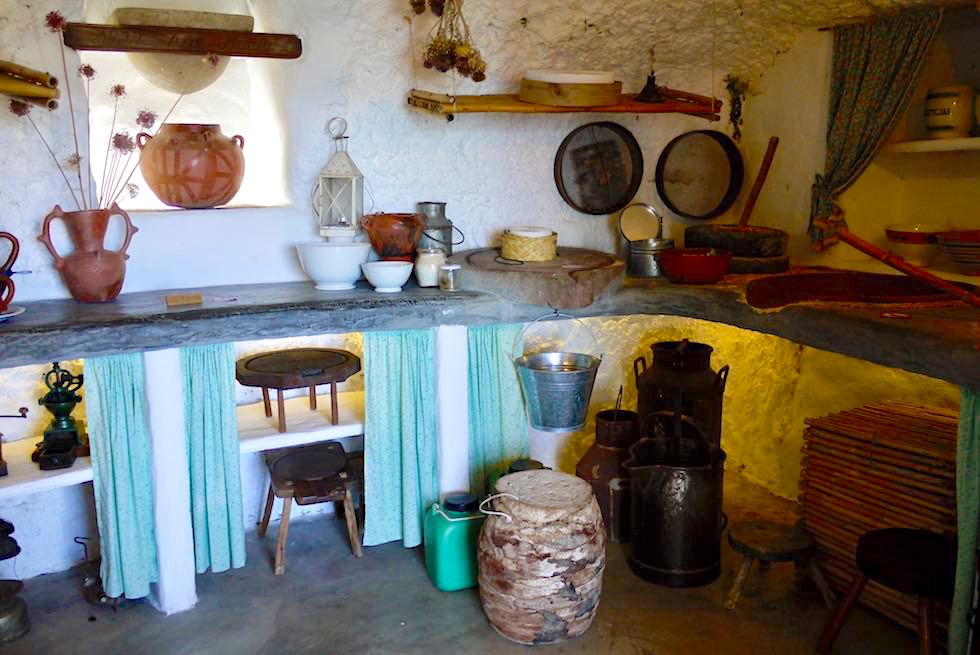 Artenara - Museum: traditionelle Küche in den Höhlenhäusern - Gran Canaria
