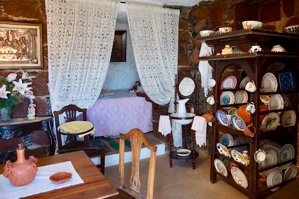 Artenara - Museum Höhlenhaus: typisches Wohnzimmer von früher - Gran Canaria