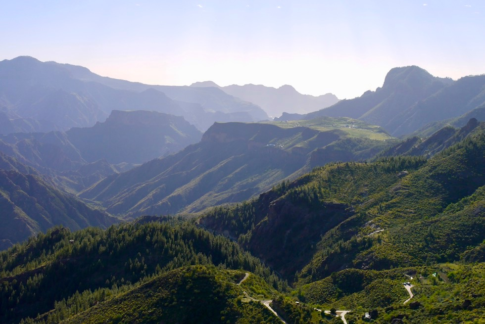 """Philosoph Unamuno bezeichnete Berglandschaft um Artenara als """"Versteinerter Sturm"""" - Gran Canaria"""
