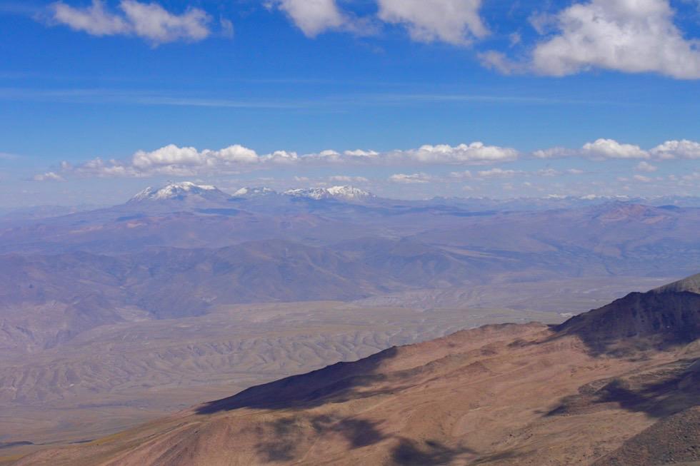 Chachani Besteigung - grandiose Fernsicht auf Bergwelt - Peru