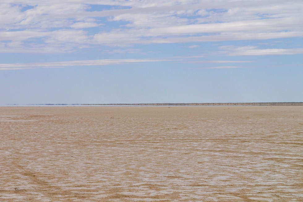 Lake Eyre North - Wasserspiegelungen oder Luftspiegelungen? - South Australia