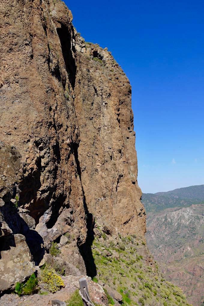 Steil abfallende Nordseite des Roque Bentayga - Gran Canaria