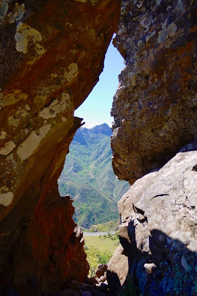 Roque Bentayga - Felsen vereinen sich zu einem Fenster mit Aussicht - Gran Canaria
