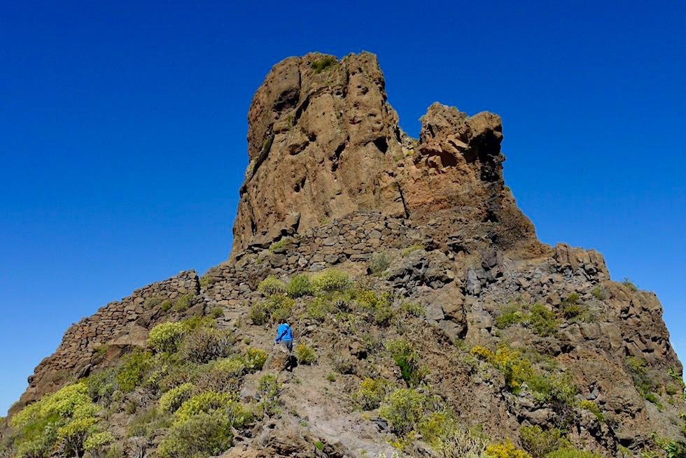 Roque Bentayga: nicht nur spiritueller Ort, sondern auch Festung - Steinmauer & Verteidigungsanlage - Gran Canaria