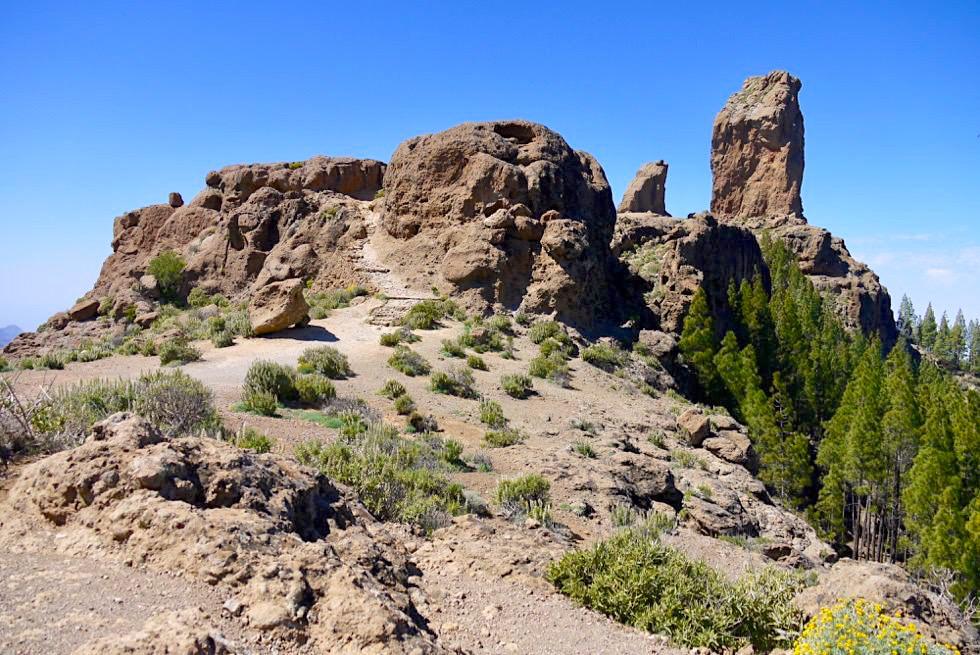 Roque Nublo Wanderung - Erste der beiden Plateau Stufen beim Gipfel - Gran Canaria