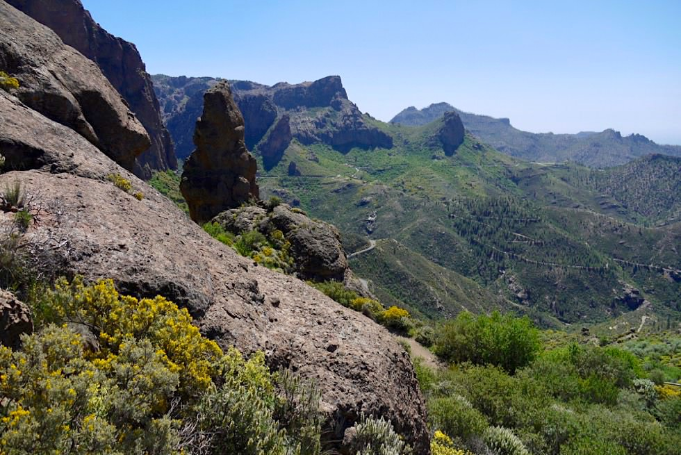 Roque Nublo Wanderung - Weiter Blick auf Passstraßen & Täler - Gran Canaria