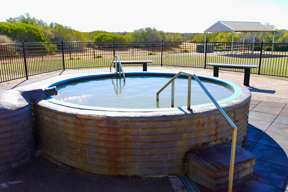 Shark Bay Highlights - Peron Homestead: Hot Tub - Peron National Park - Western Australia