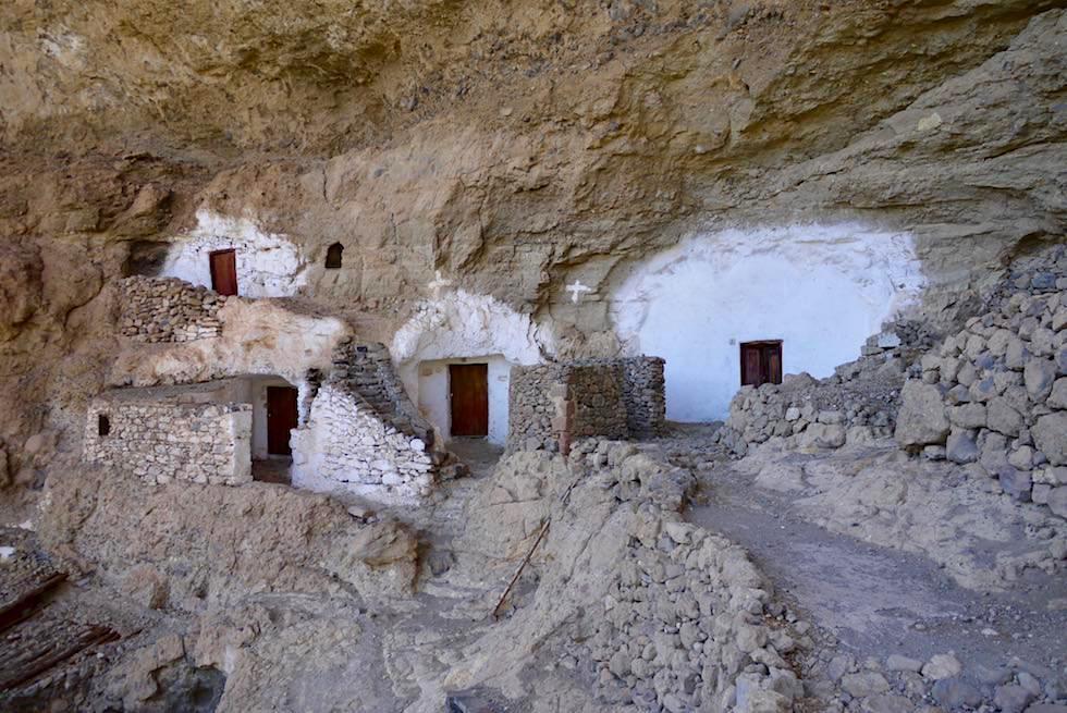 Acusa Seca - Uralte kanarische Höhlensiedlung in Felsflanken - Artenara - Gran Canaria