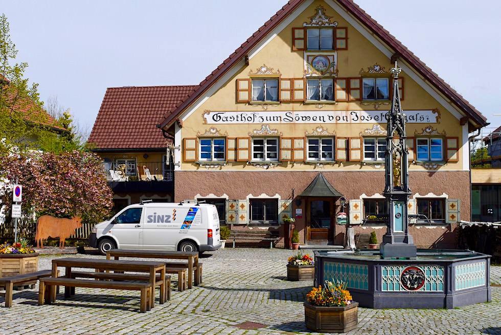 Radrunde Allgäu - Eglofs mit Dorfplatz & Hofwirtschaft zum Löwen - Baden-Württemberg