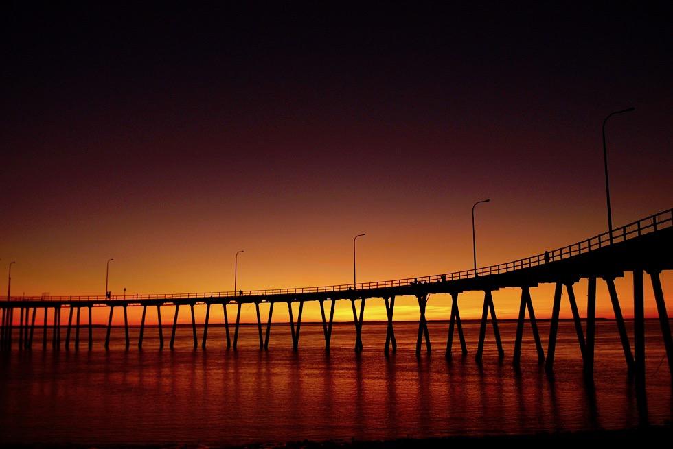 Feuriger Sonnenuntergang - Derby Anlegesteg - Kimberley - Western Australia
