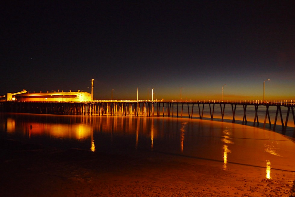 Derby Jetty & Derby Wharf bei Nacht - Kimberley - Western Australia