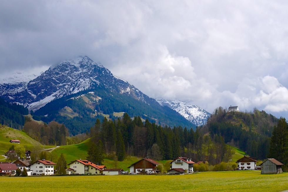 Iller Radweg - Allgäudorf Fischen mit Blick auf das Nebelhorn - Oberstdorf - Bayern