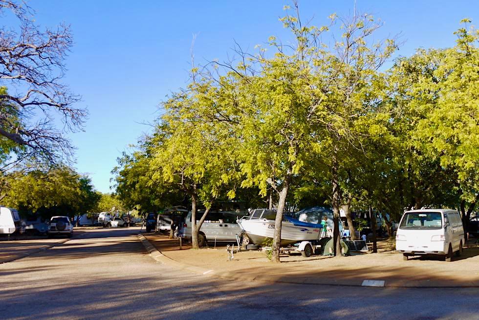 Schöner Kimberley Entrance Caravan Park in Derby - Große, schattige Stellplätze & Hauch von Luxus - Western Australia