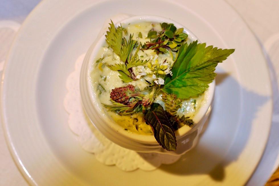Kulinarische Empfehlung: Kräutertöpfchen & frisch gebackenes Kräuterbrot - Beim Kräuterwirt Stiefenhofen - Bayern