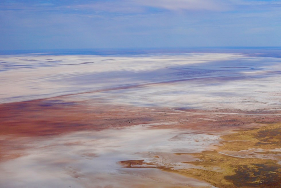 Flinders Ranges Scenic Flight: Lake Frome - Ufer: Sonne & Schattenspiel - Outback South Australia