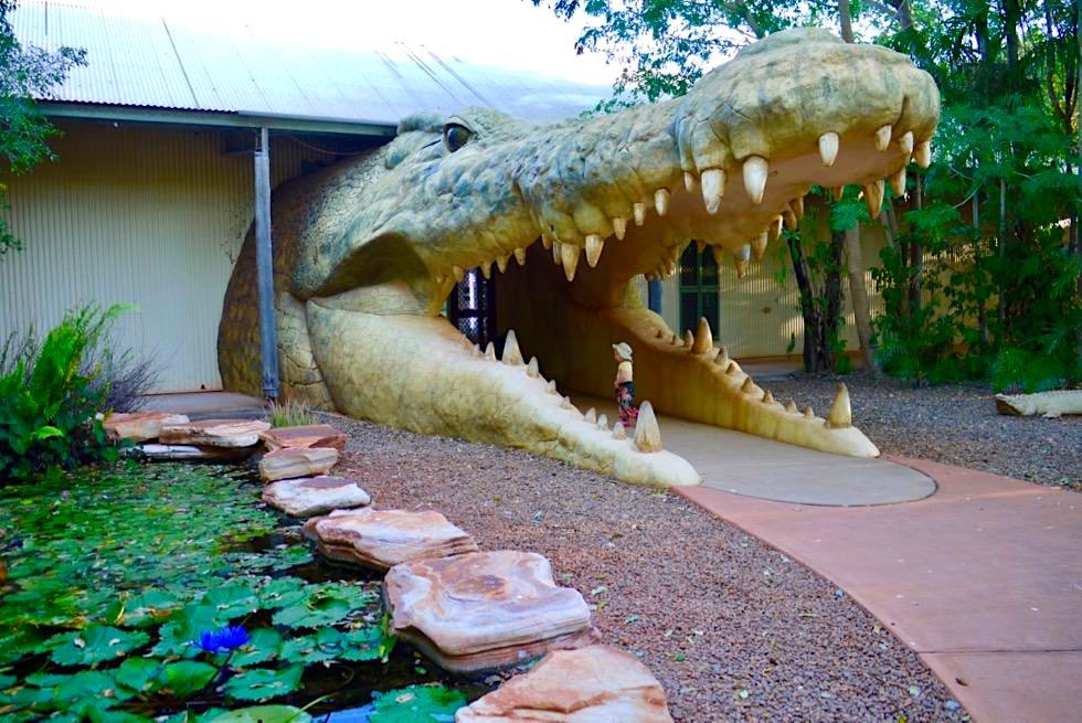 Malcom Douglas Crocodile Park - Eingang durch das Maul eines Krokodils - Broome - Kimberley - Western Australia