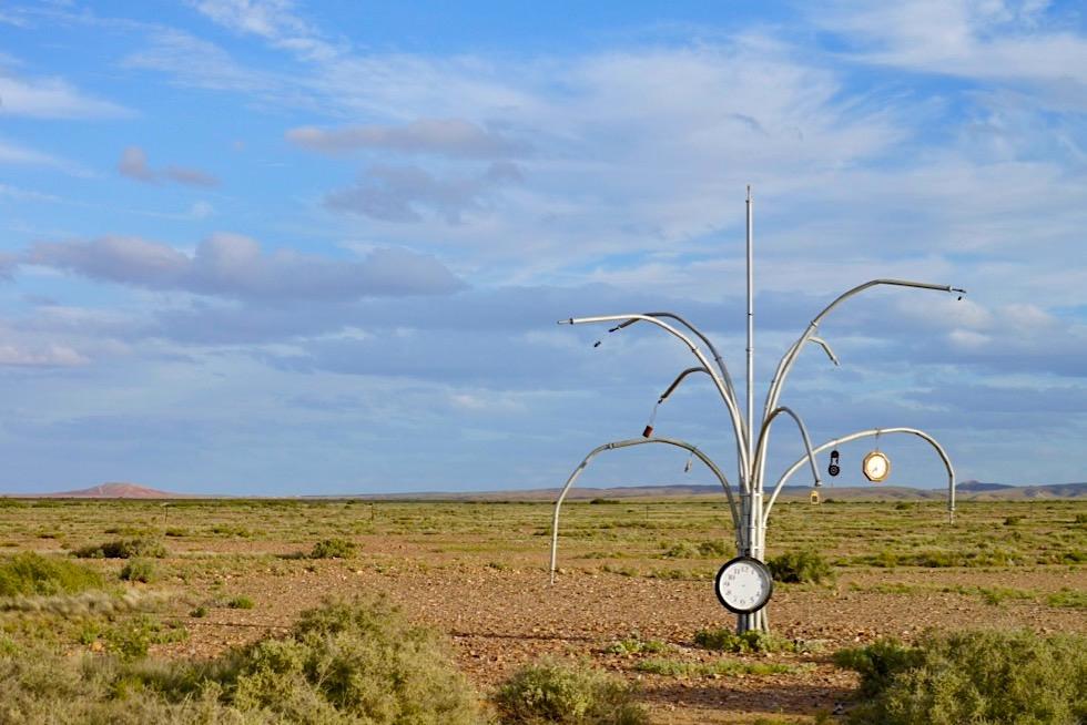 Mutonia Sculpture Park - Tolle Skulpturen: Uhrenbaum - Oodnadatta Track - Outback South Australia