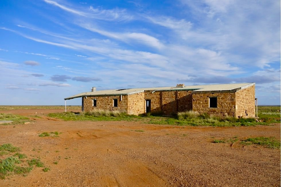 Oodnadatta Track - Wangianna Siding: verfallene Ruinen - Outback South Australia
