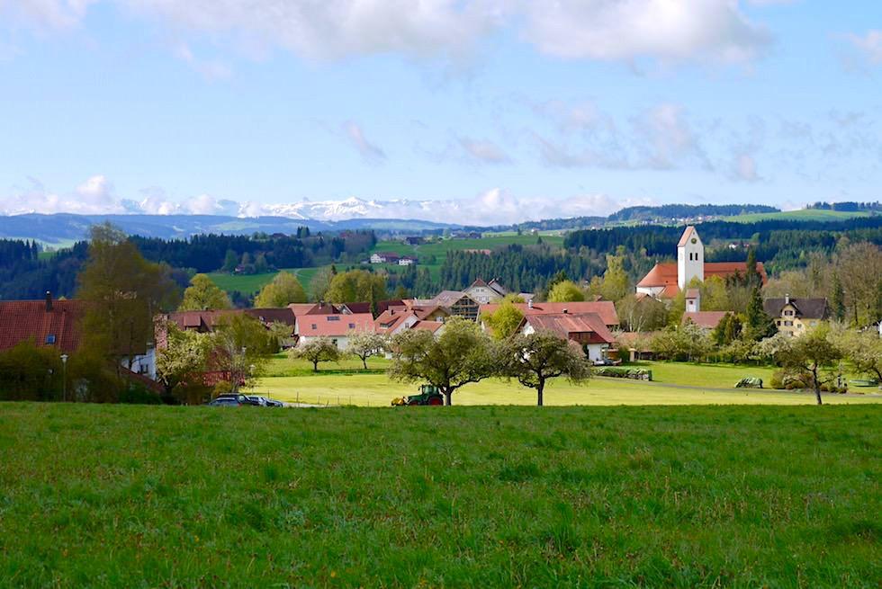 Radrunde Allgäu - Blick auf wunderschöne Dorf Eglofs - Baden-Württemberg