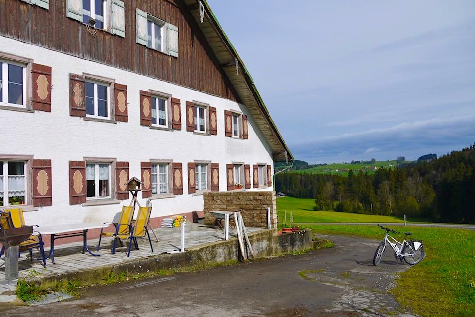 Radrunde Allgäu: Stall westlich von Wangen im Allgäu - Baden-Württemberg