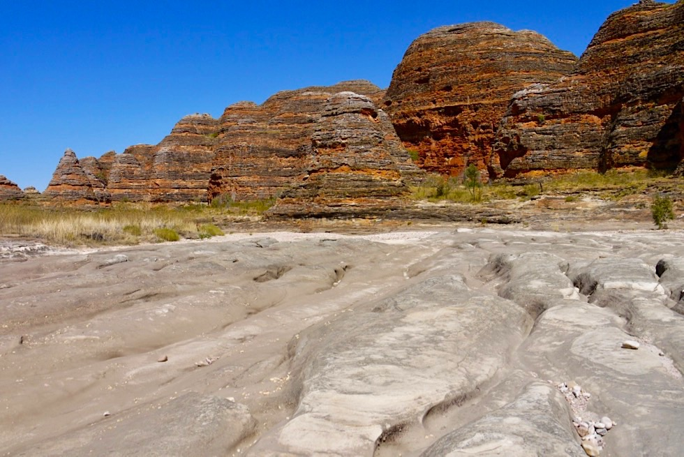 Bungle Bungles - gestreifte Dome & zerfurchter, ausgetrockneter Piccaninny Creek - Kimberley, Western Australia