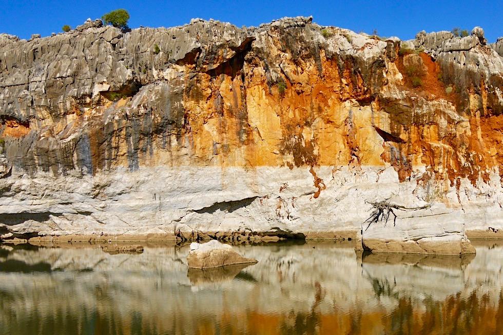 Geikie Gorge - Farbentstehung: Woher kommen die farbigen Steifen? - Fitzroy River - Kimberley - Western Australia