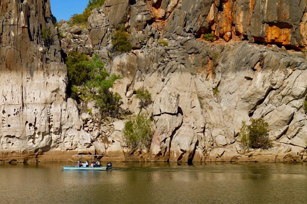 Geikie Gorge Wanderung - Größenvergleich Mensch & Felsschlucht - Fitzroy River - Kimberley - Western Australia