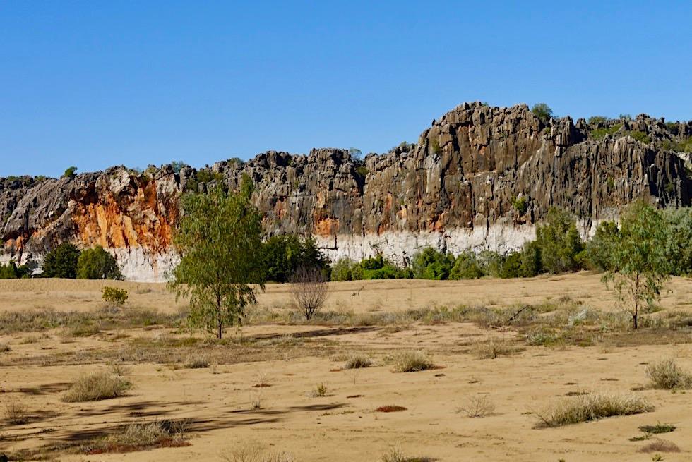 Geikie Gorge Wanderung - Weite Sandbank & bunte Klippen - Fitzroy River - Kimberley, Western Australia