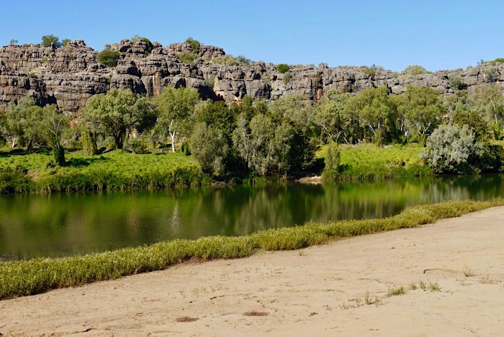 Geikie Gorge Wanderung - Umkehrpunkt, Sandbank & Blick auf das gegenüberliegende Ufer des Fitzroy Rivers - Kimberley, Western Australia