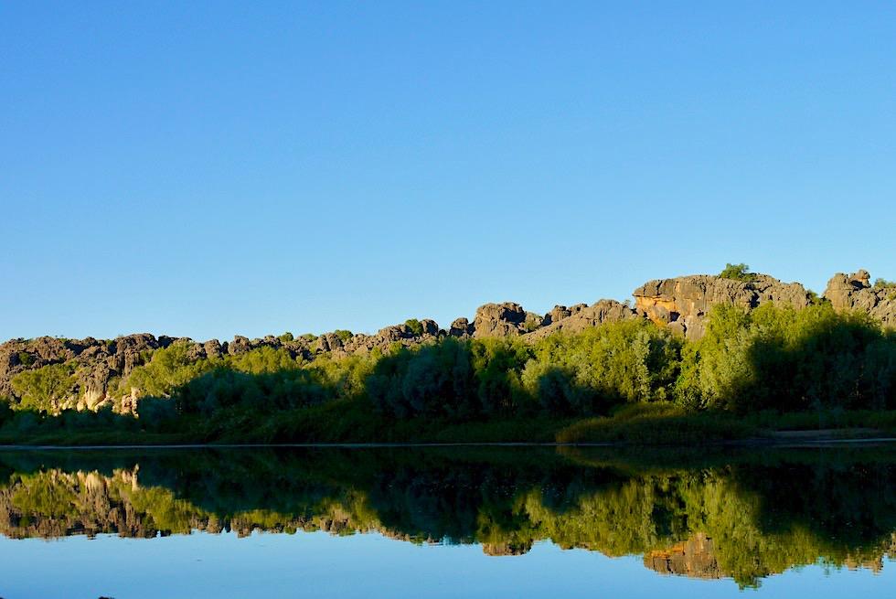 Geikie Gorge - Faszination Wasserspiegelungen im spiegelglatten Fitzroy River - Kimberley - Western Australia