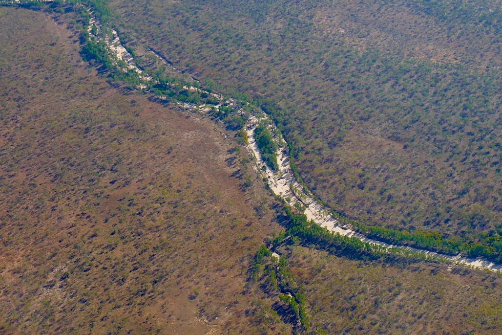 Kimberley Outback - Ausgetrocknetes Flussbett aus der Vogelperspektive - Western Australia