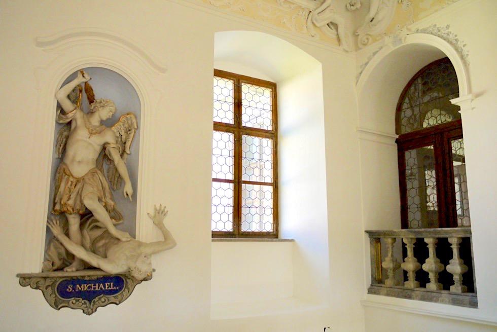 Kloster Museum Ottobeuren - Barock: Skulpturen fallen aus dem Rahmen und scheinen lebendig zu sein - Allgäu - Bayern