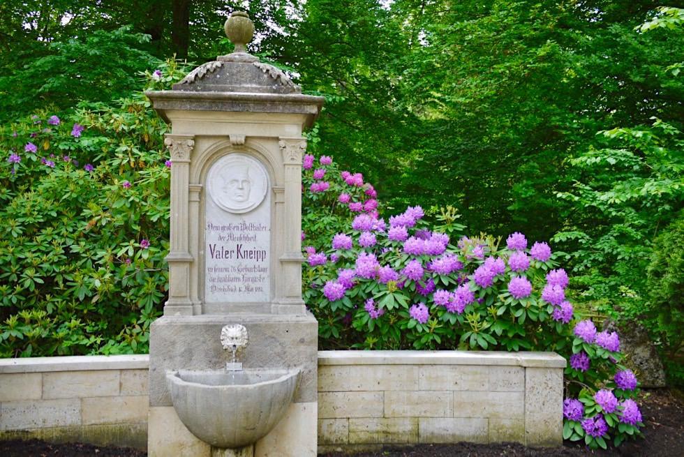 Schöner Kneipp Brunnen am Kurpark - Bad Wörishofen - Allgäu - Bayern